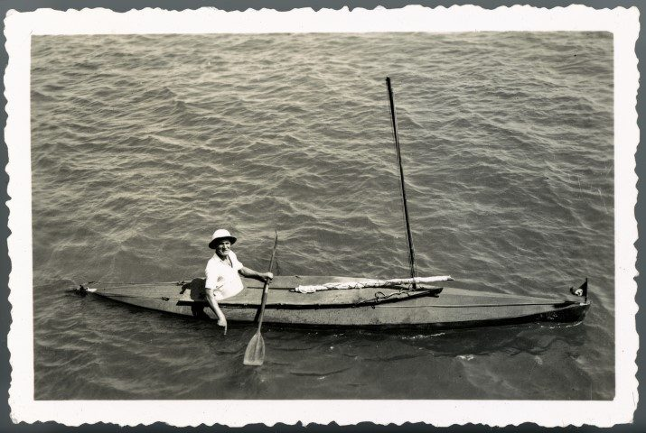Photograph of Oskar Speck in a kayak, Timor