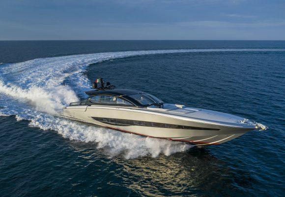 55-knot superyacht
